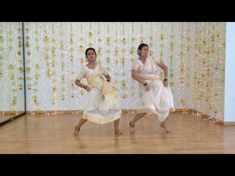 Jimikki Kammal Dance Perfomance by 2 Girls