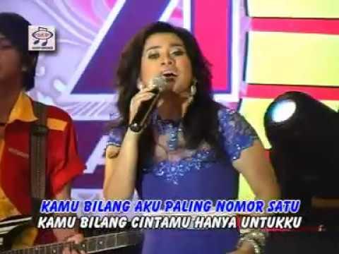 Ikke Nurjanah - Nomer Satu (Official Music Video)