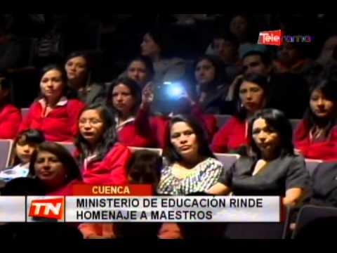 Ministerio de Educación rinde homenaje a maestros