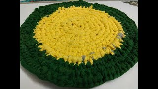 make  awesome door mat,rug from waste cloths with hair pin .