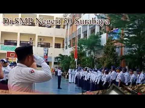 Upacara Bendera di SMP Negeri 50 Surabaya