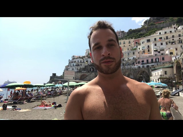 I'm Swimming Here Today : Atrani Italy (Preview)