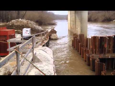 Building a pair of Cofferdams in the Big Muddy River in southern Illinois