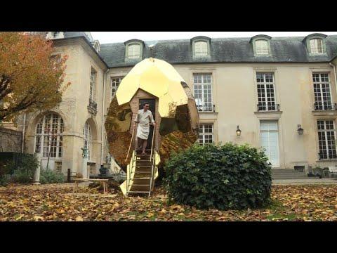 Giant egg-shaped sauna opens at Paris's Swedish Institute