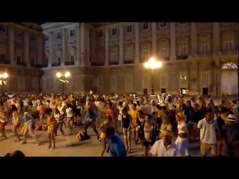 Chemin Neuf Community - Flash mob WYD 2011 at Plaza de Oriente, Madrid