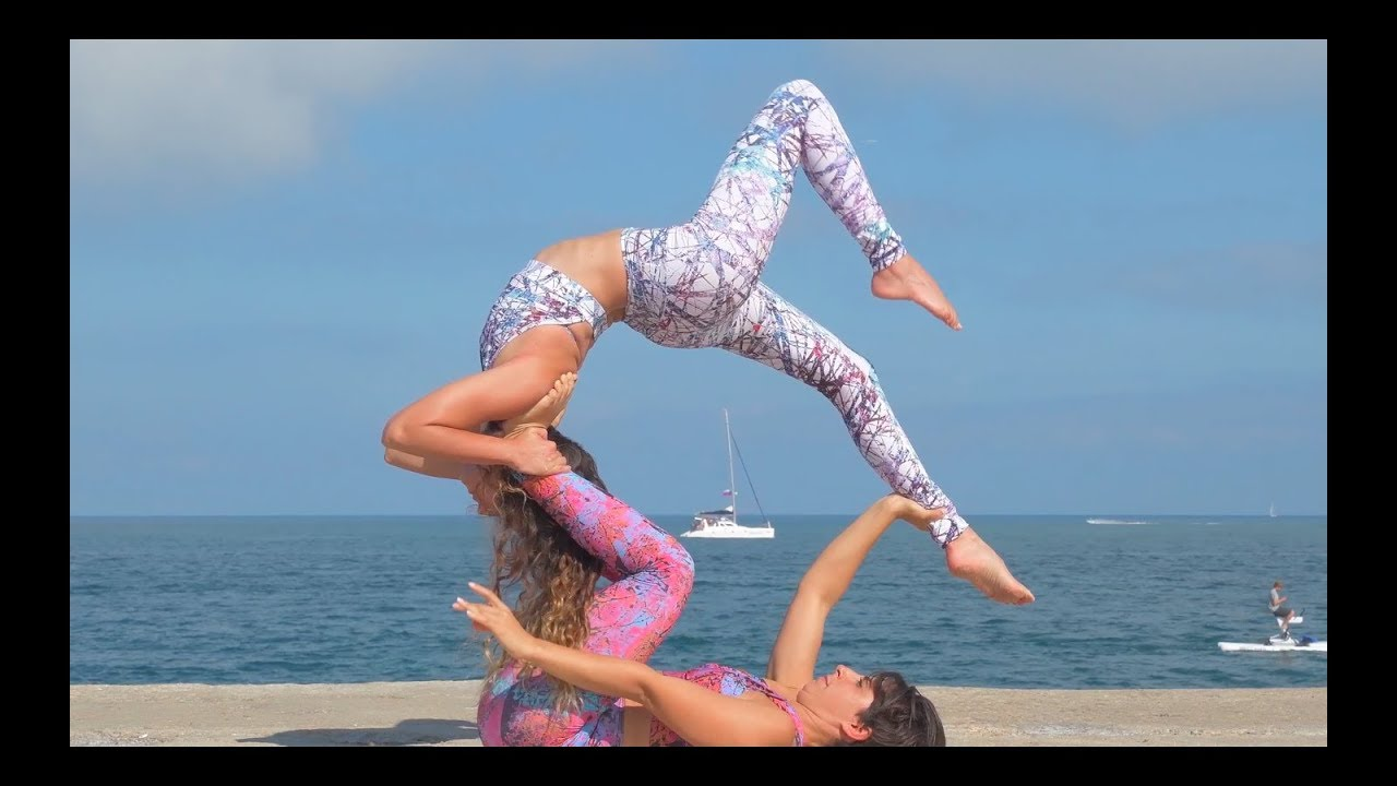 Acro flow with Andrea Macia & Mar Gonzalez