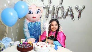 حفلة عيد ميلاد السا !!🎂 !Frozen Elsa Happy Birthday