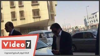 """رجل الأعمال أحمد عز يصل لحضور جلسة إعادة محاكمته بقضية """"حديد الدخيلة"""""""