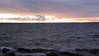 818 Tranquil sea on sunset