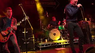 The Undertones - Family Entertainment (live in Dublin - December 2017)