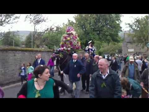 Castleton Garland Day (Oak Apple Day) 2011
