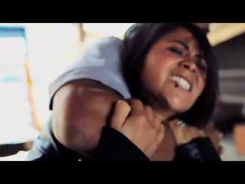 Видео девушки убегают от бандитов фото 347-413