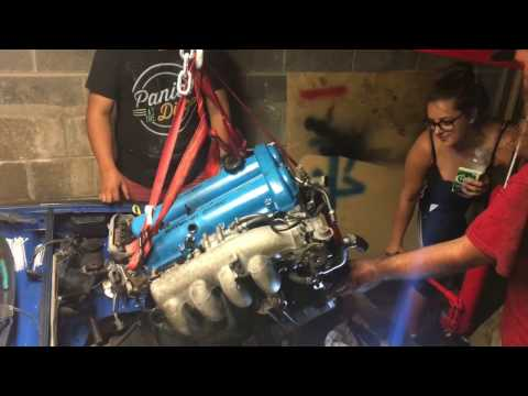 [DIY] Dropping JDM Engine In Miata [HD]