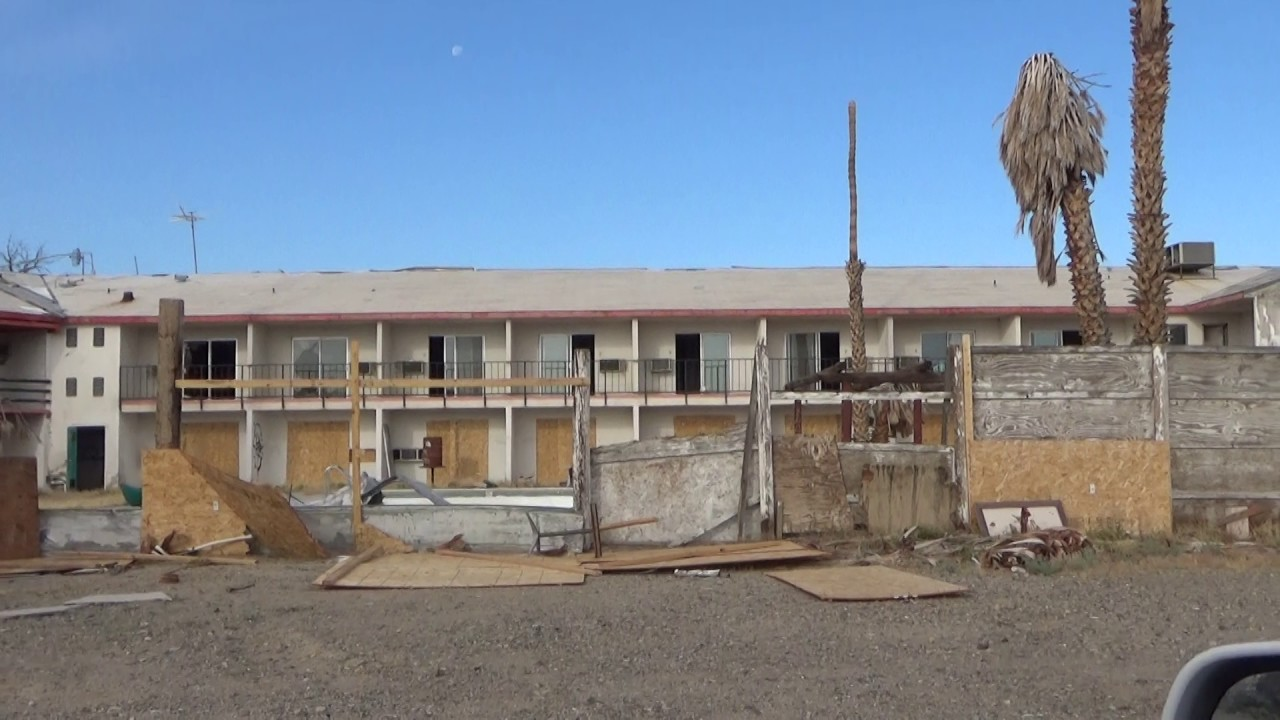 Our Drive To Abandoned Creepy Royal Hawaiian Motel Baker California