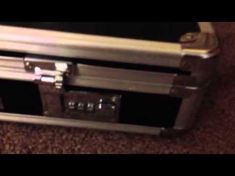 How To Unlock A Vaultz Lockbox Youtube