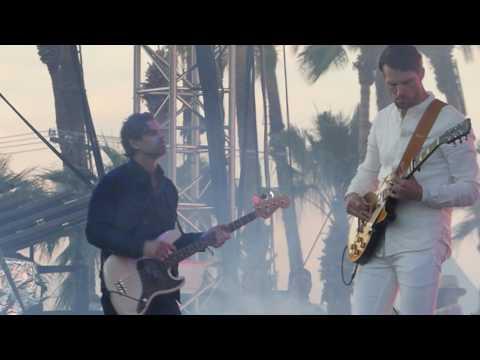 Tycho  - A Walk (Coachella Festival, Indio CA (Week 2) 4/22/17)