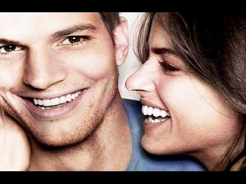 El Amor es lo que Tiene (Trailer español)