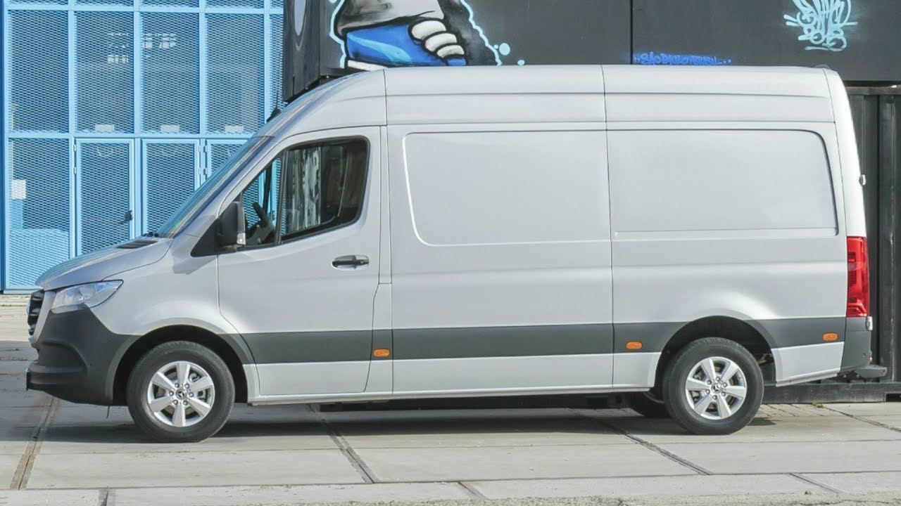2019 mercedes sprinter 319 cdi panel van maximum modularity for all customer wishes youtube. Black Bedroom Furniture Sets. Home Design Ideas