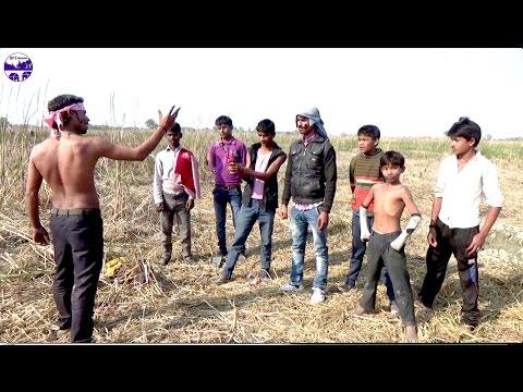 Funny dialogues  from 'Ghatak film' ye majdoor ka hath hai katiya
