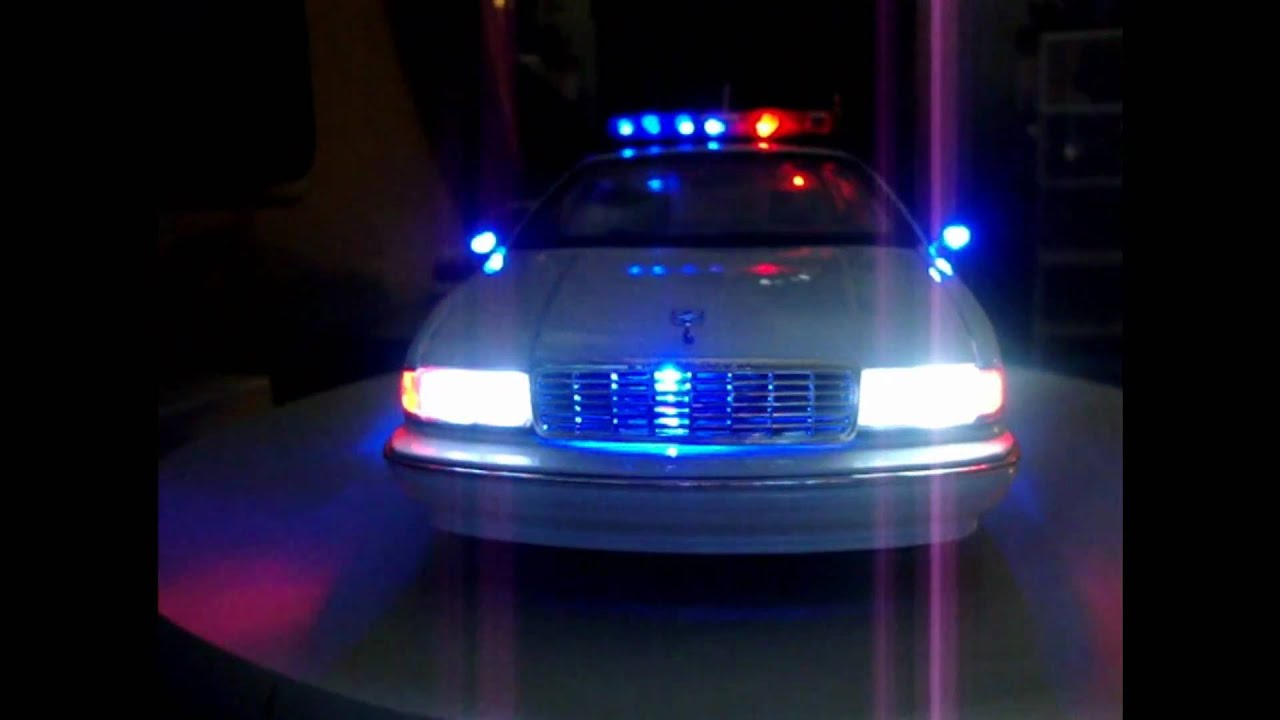1 18 CAPRICE UT POLICE CAR WITH WORKING LIGHTS