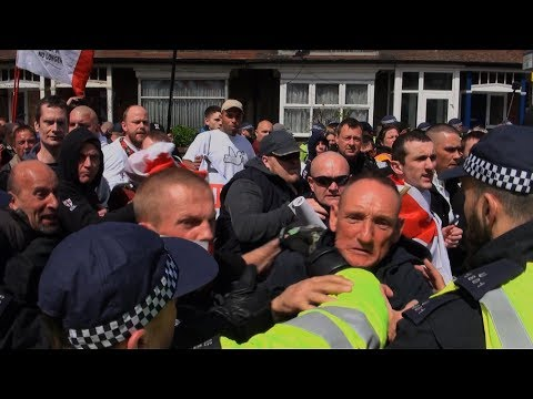 Clashes at EDL Walthamstow Protest