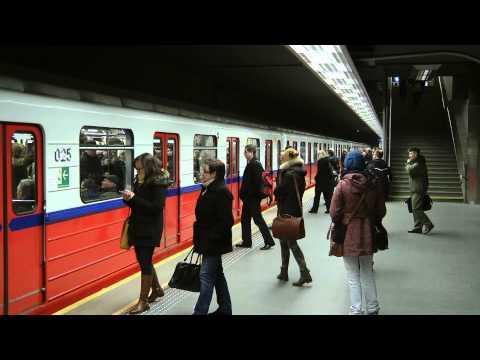 Metro Warszawa Stacja Ratusz Arsenał