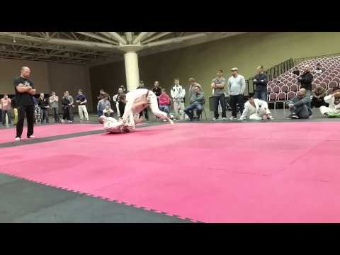 Brandon Bergeron vs Ben Neumann at the Minnesota Grappling Challenge