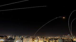 بعد مقتل مدني إسرائيلي وإطلاق 370 صاروخ فلسطيني.. كيف قضى سكان عسقلان ليلتهم؟…