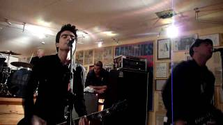 Anti-Flag - Clash City Rockers (The Clash Cover) (Ramones Museum 24.10.09)