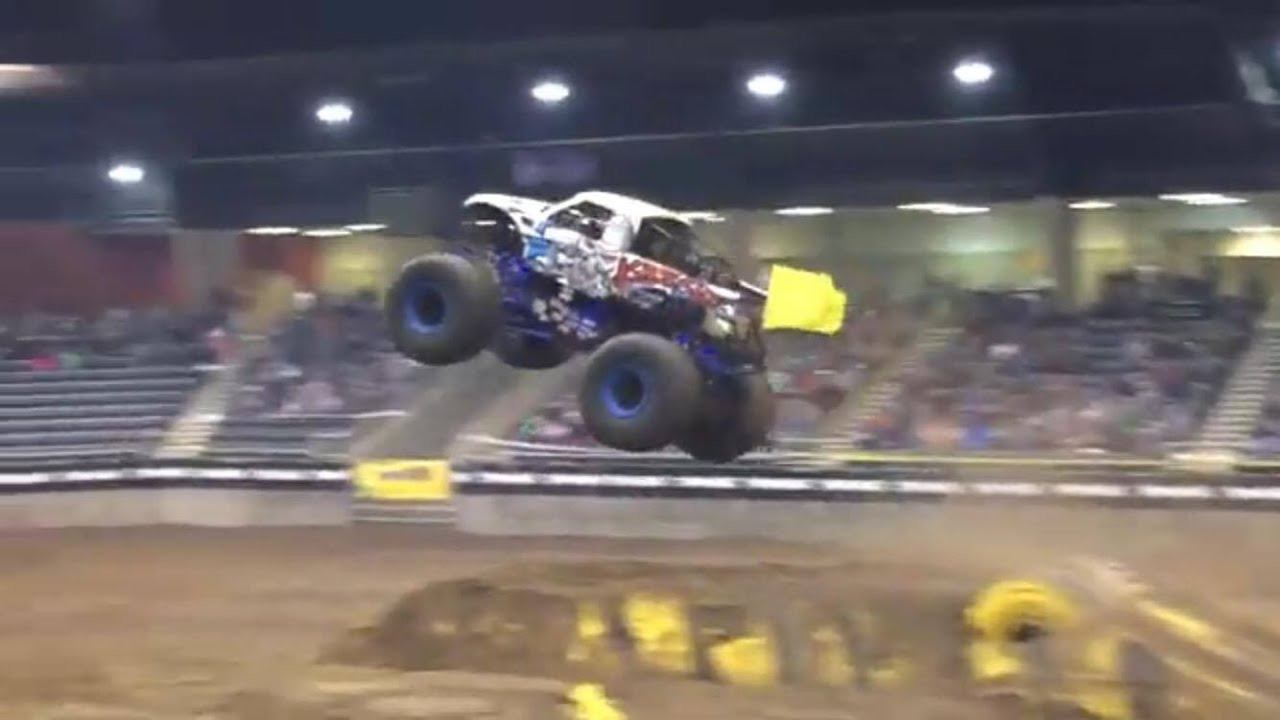 Monster Truck Freestyle Redmond Or 2019 Youtube