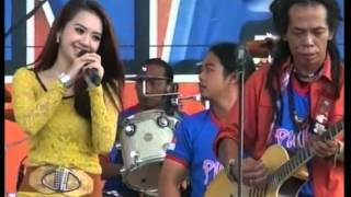 Download lagu Rena KDI  vs Sodiq  - Isyarat Cinta