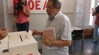 Militantes socialistas votan acuerdo para Gobierno progresista en La Rioja