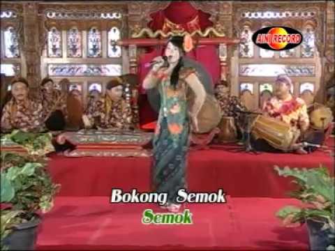 Bokong semok - (Lia cappucino) - Sekar Mayank