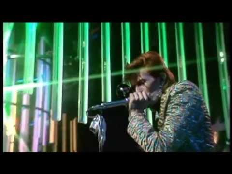 David Bowie - The Jean Genie on Christmas TOTP  from lost 1973 footage recently discovered!