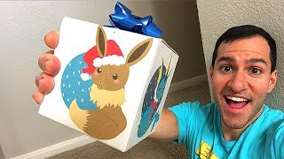 THIS EEVEE HOLIDAY POKEMON CARDS MYSTERY BOX IS EVERYTHING!