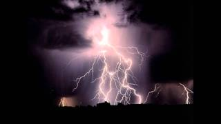Repeat youtube video Thunderstorm in Finland 12.6.2011 Natural sound