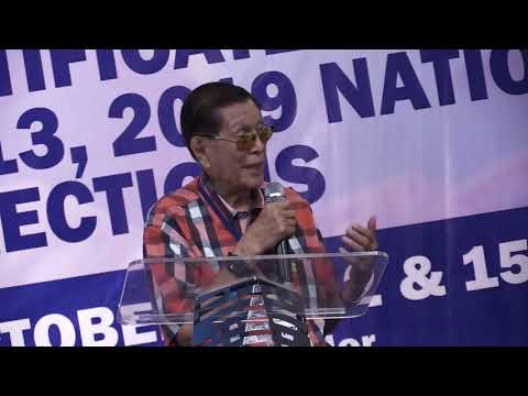 Juan Ponce Enrile returns to Comelec to revise his COC