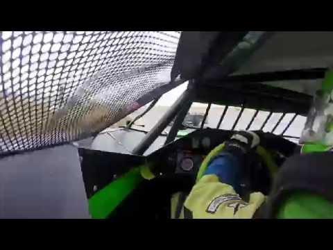 9/3/2016 Gillette Thunder Speedway main event (inside)