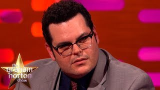 """Josh Gad Does a Brilliant """"Who Farted?"""" Look 