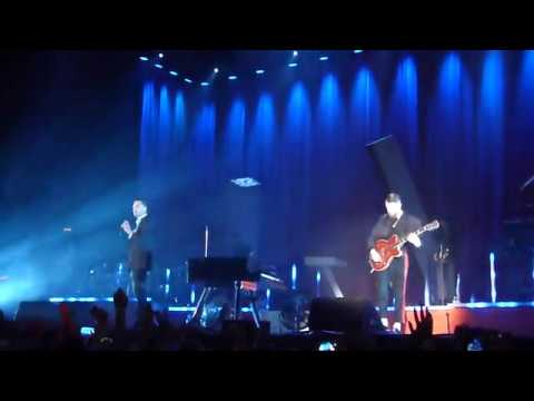 Hurts - Hold on to Me. Ekaterinburg 29 10...