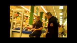 охранники ашана беспредел(https://vk.com/club59858978 против беспредела охранников магазинов (смысл моего видео в том, что я был в магазине всего..., 2014-04-22T01:11:08.000Z)