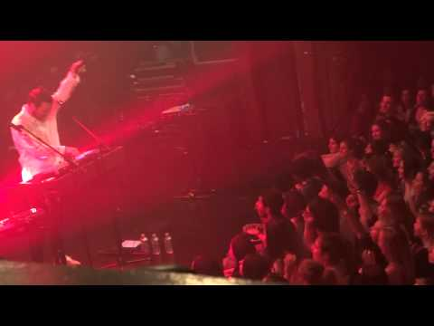 Chet Faker - No Diggity / Drop The Game (HD) Live In Paris 2015