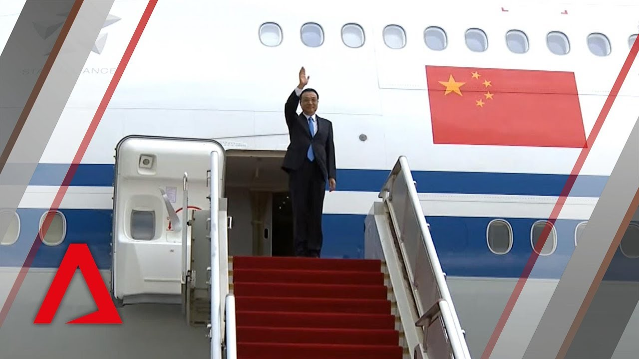 Chinese Premier Li Keqiang arrives in Singapore for official visit