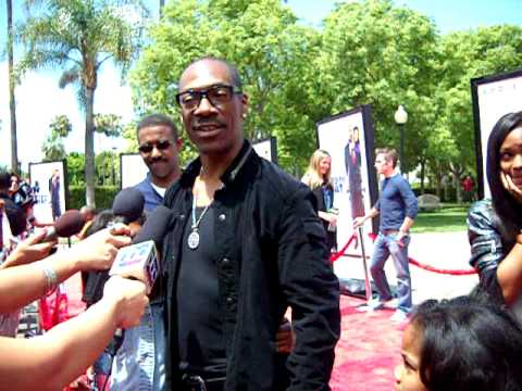 Imagine That red carpet arrivals with Eddie Murphy and Arsenal Hall