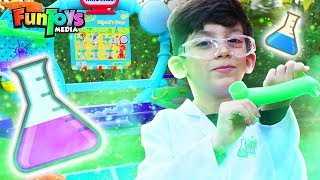 Jason Plays with the Wonder Lab | Volcano Kids Surprise Experiments by FunToysMedia