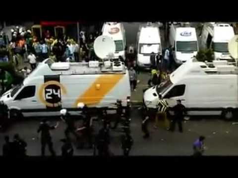12 Mayıs 2012 Maç öncesi Sokakta Polis Şiddeti