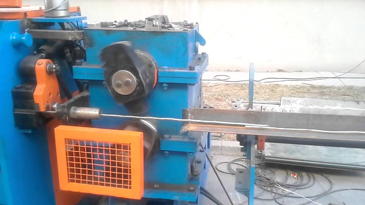 steel wire straightening and cutting machine working video FLYING ...