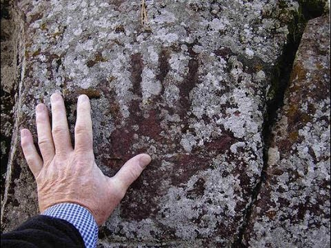 2016 Handprints on Cave Walls洞窟の壁画・75%が女性だった75 % of them are Female by Hiroshi Hayashi, はやし浩司Japan