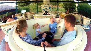 Испания Парк аттракционов ПОРТ АВЕНТУРА Гигантске чашки чая Tea Cups / Roller Coaster PortAventura