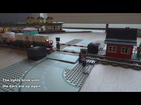 Lego train level crossing automated by Arduino Micro